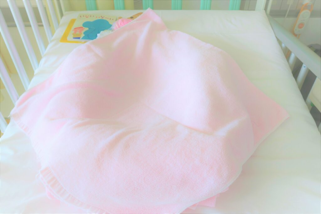 【看護師さん直伝】背中スイッチOFF♪バスタオルで赤ちゃんのCカーブベッドを手作りしよう♪ 作り方紹介♪