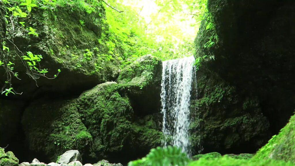 【北海道の自然】小樽の神秘的な秘境「穴滝」/ アクセス方法と必要装備を紹介!