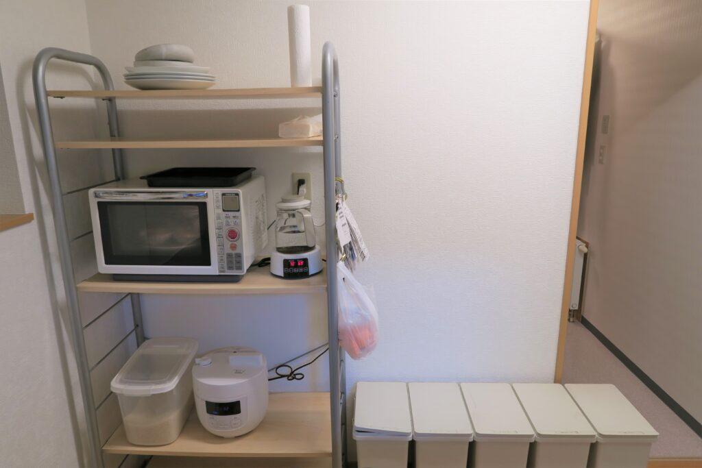賃貸のインテリアを楽しもう!キッチンのレンジ台をDIYしたら、すっきりシンプルな快適空間に♪