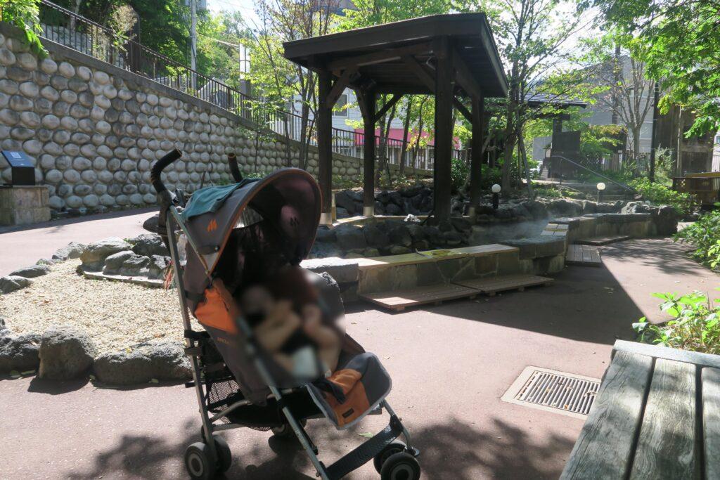 乳幼児連れトレッキングおすすめスポット☆豊平川の河原を歩ける定山渓二見公園の散策路と足湯を楽しめる定山源泉公園
